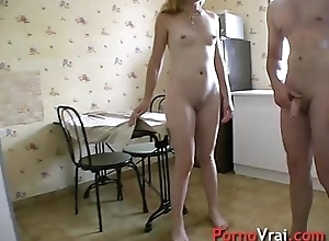 Fuck a blonde mature  at dwelling-place with a stanger! French dilettante