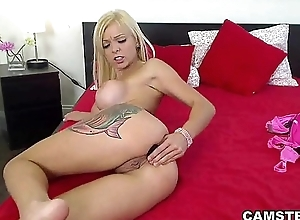 Blonde with big Bristols does a dirty acquirement