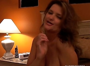Naughty MILF plays with her pussy and blows rub-down the photojournalist